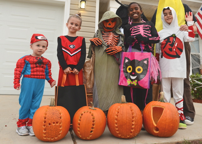 Kids-dressed-up-Halloween